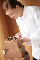 ericka-decorating-cake
